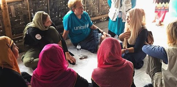 Gigi Hadid'den mülteci kampını ziyaret