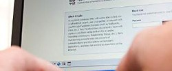 Her şeyi Facebook'a yazmayın!