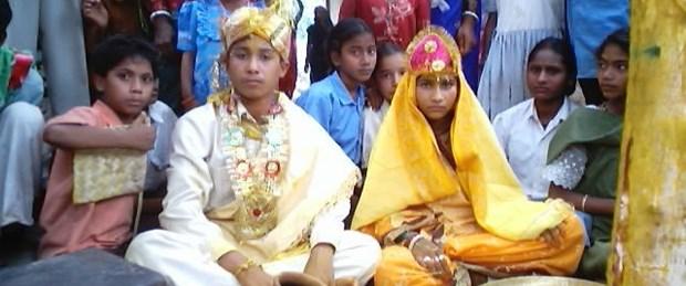 Hindistan'da çocuk yaşta evlilikler yaygın