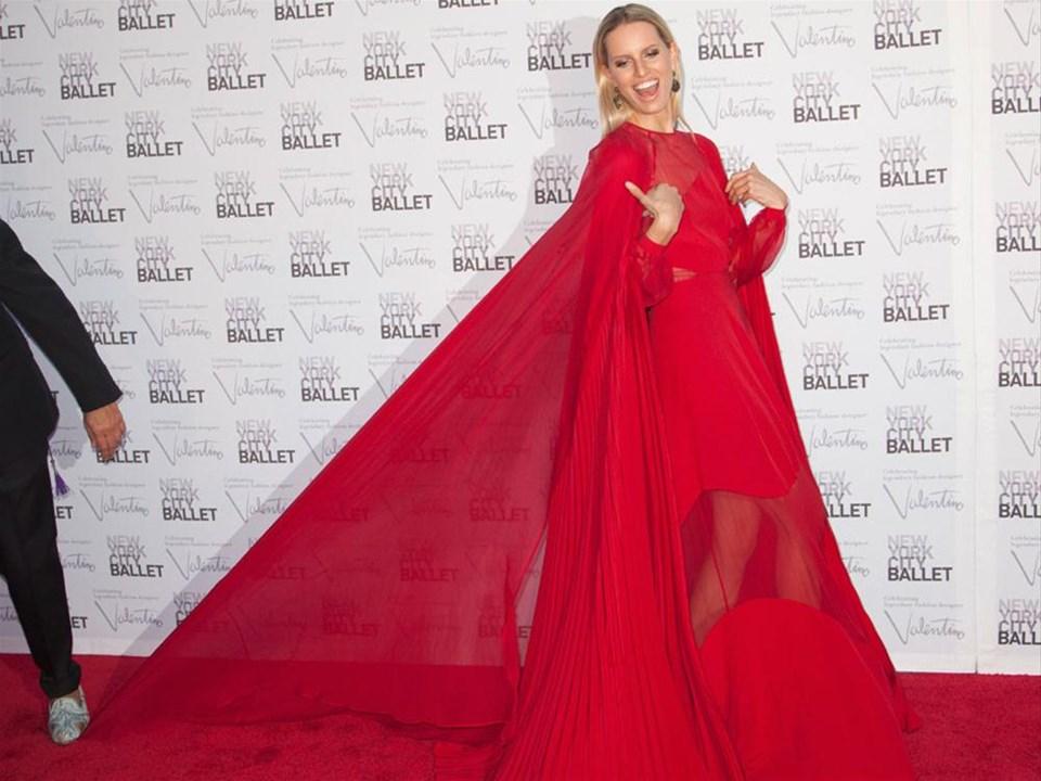 Hollywood New York Bale Galasında buluştu