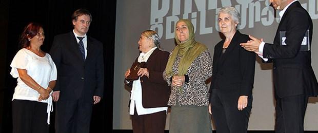 Hrant Dink ödülü Cumartesi Anneleri'ne