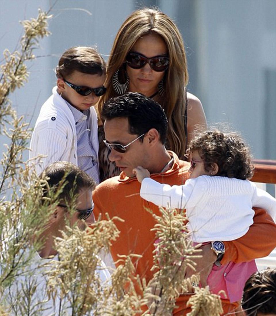 Çocuklarının üzerine titreyen Jennifer ve Marc, bakıcı fikrine sıcak bakmıyor