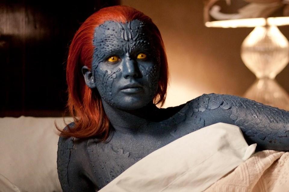 Jennifer Lawrence'ın canlandırdıMystique karakteri istediği insanın şekline giriyor.