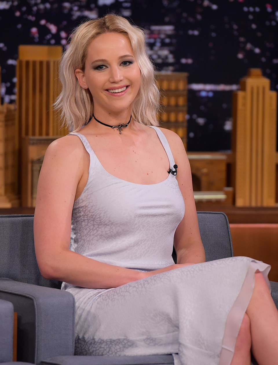 Jennifer Lawrencetan kalçasıyla öldürmeye teşebbüs