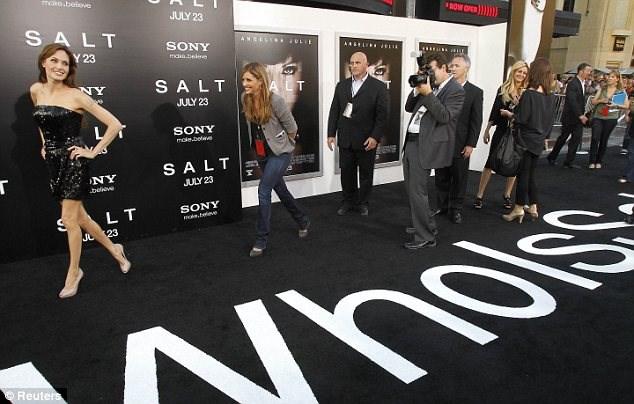 Jolie ve Pitt 'Salt'ın galasında