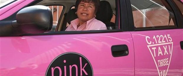 Kadınlara pembe taksi