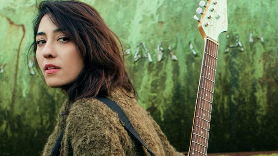 Bilkent Üniversitesi mezunu Kalben Sağdıç (32), şarkıları dijital müzik piyasasında en çok indirilen şarkıcılar arasında.