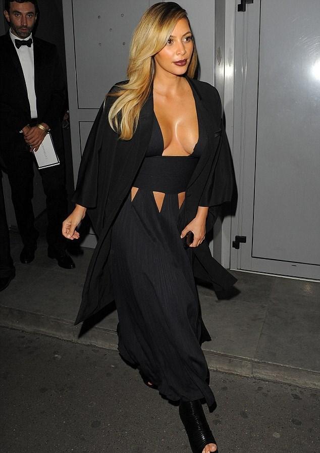 Kardashian: Kendinizden utanmalısınız