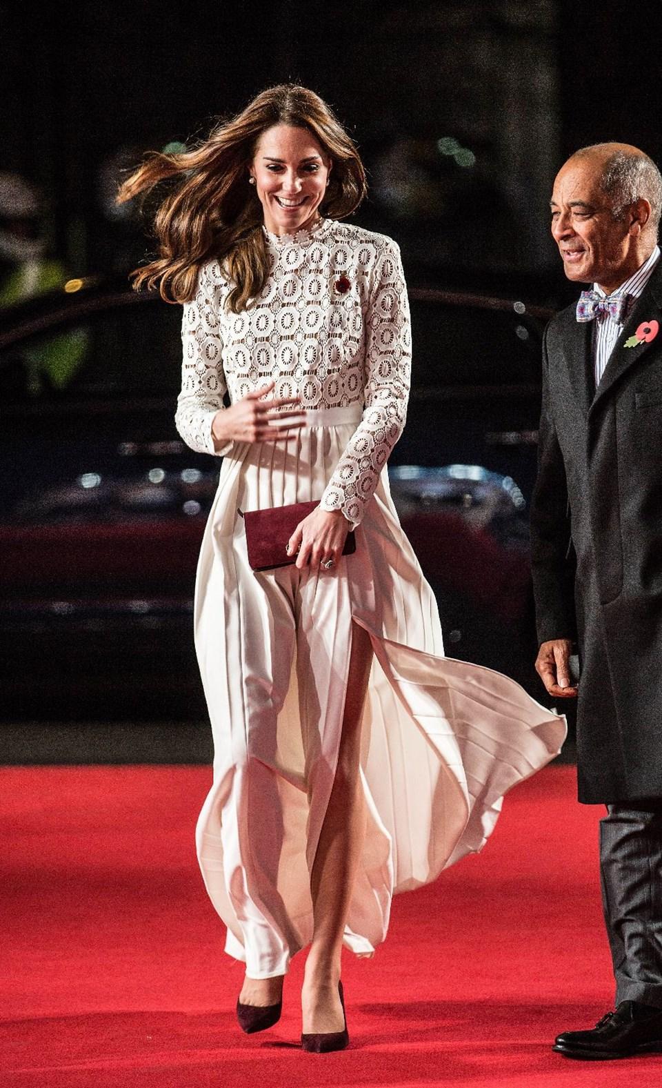 3b70503ce3135 Kate Middleton'ın hesaplı elbise tercihi - 1 | NTV