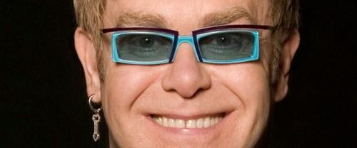 Kiliseden Elton John'a tepki
