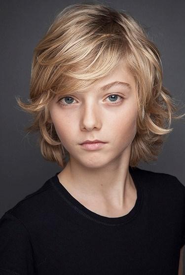 Daha önce rol aldığını 'Umut Apartmanı' filmiyle tanınan Alp Özer, müziğe de meraklı. 12 yaşındaki Özer fırsat buldukça org çalışyor.