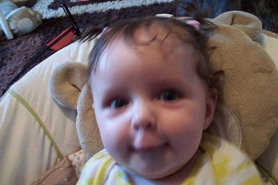 Köpek 11 aylık bebeği öldürdü