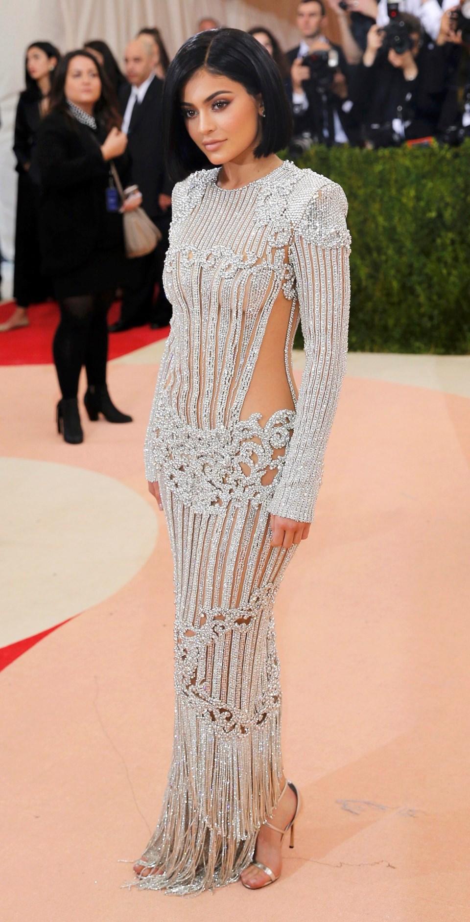 Kylie Jenner, MET Gala öncesi bütün hazırlığını, kıyafetini Instagram'dan paylaştı.