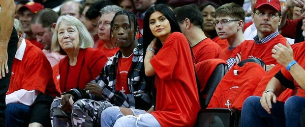 picture-of-do-kylie-jenner-and-travis-scott-live-together-photo.jpg