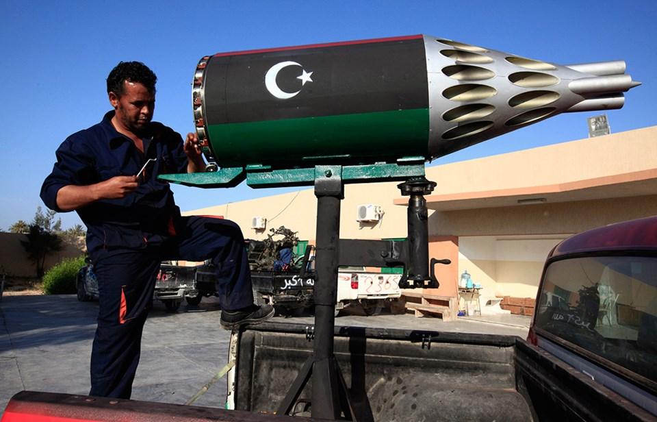 Libyalı isyancıların el yapımı silahları