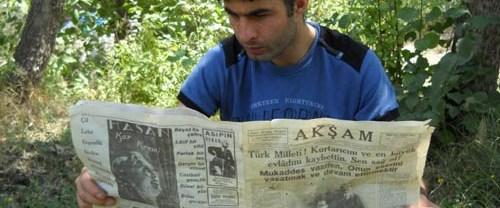 Manşetinde Atatürk'ün ölüm haberi var