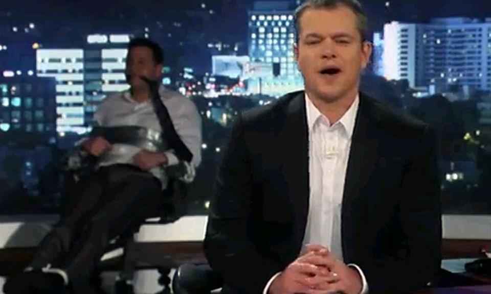 Matt Damon sunucuyu esir aldı