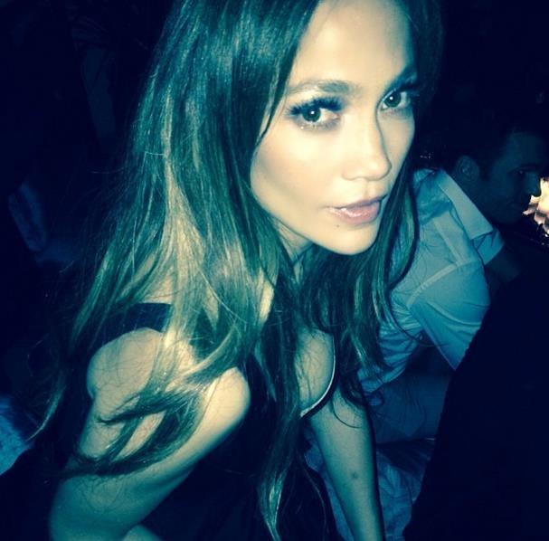 Mert Alaş'tan J.Lo'ya kıskandıran öpücük
