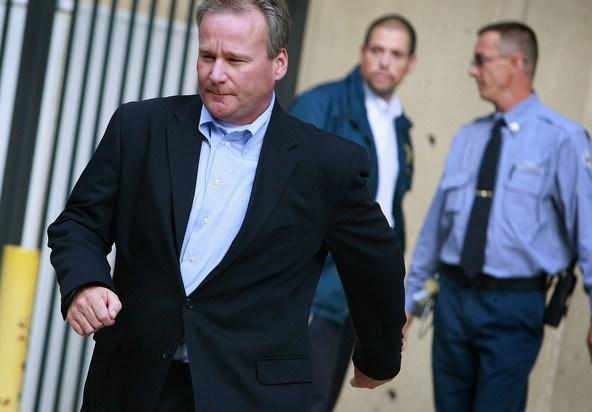 Michael David Barrett 2,5 yıl hapis cezasına çarptırıldı.