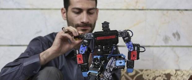 Namaz kılan robot