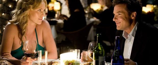 fancy-dinner-date-night-looks.jpg