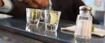 Neden Alkol Bağımlısı Oluyoruz ?