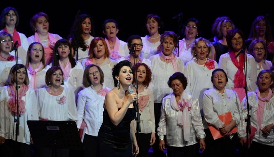 Nilüfer ve 40 kadın