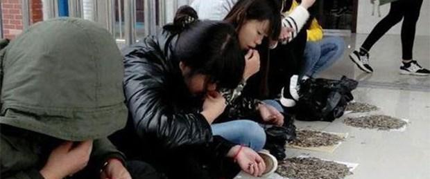 Öğrencilere çekirdek yeme cezası