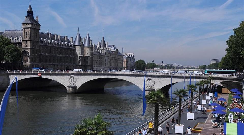 Paris'te plaj keyfi