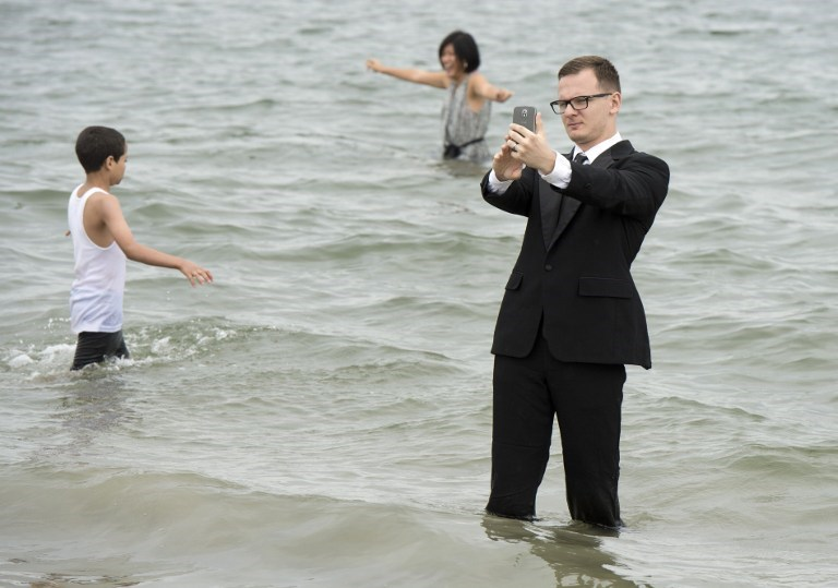 Plajda davet şıklığı