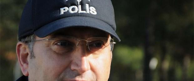 Polisin şapkasında içini ısıttı