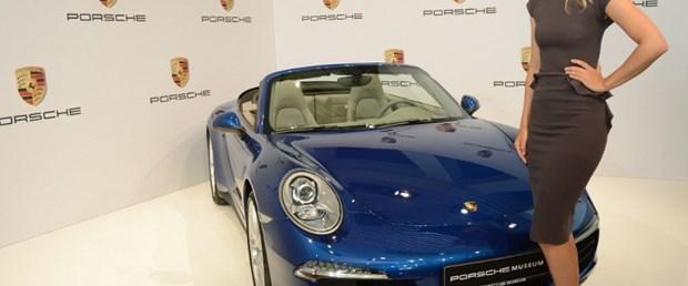 Porsche'nin seçimi Sharapova