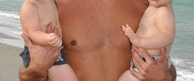 Ricky Martin ilk defa ikizleriyle poz verdi