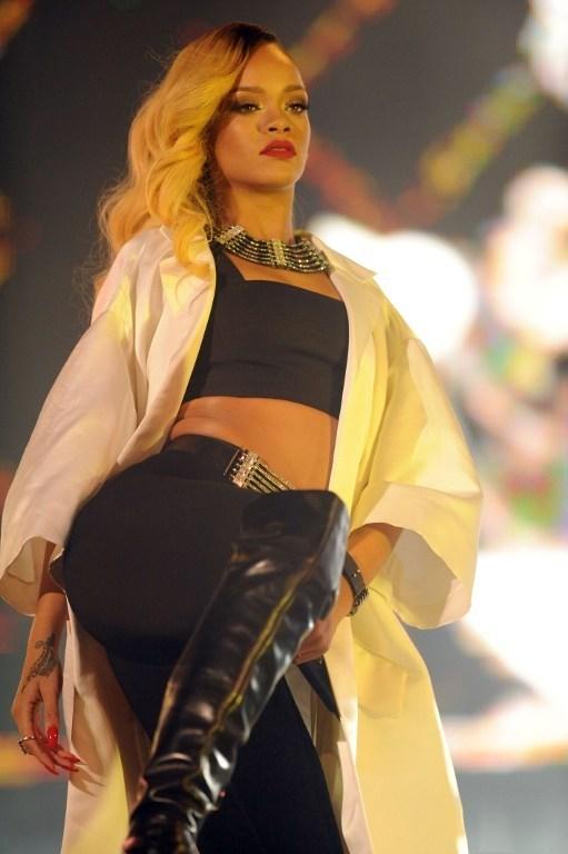 Rihanna Fas'tan geçti