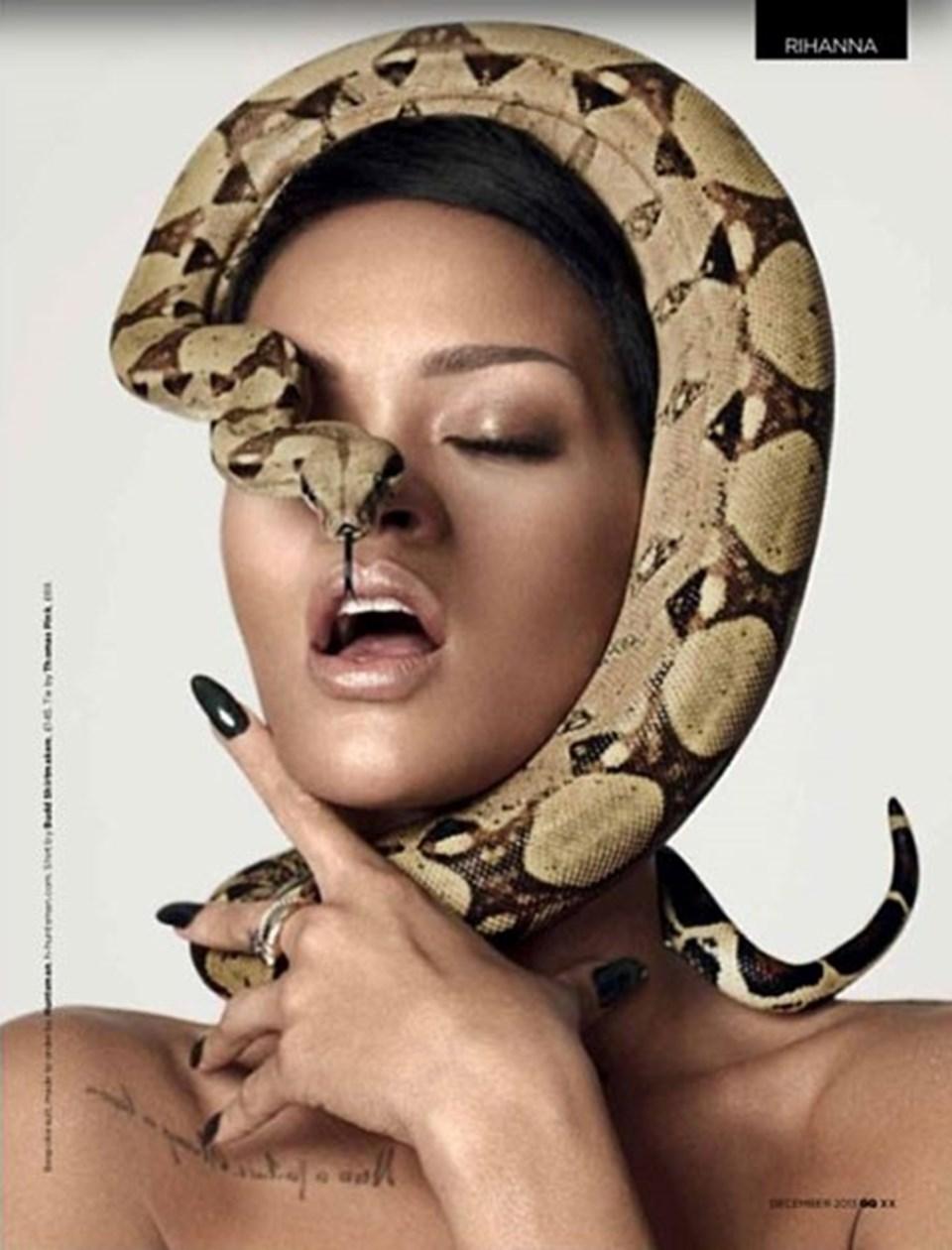 GQ için kamera karşısına geçen Rihanna, bir yılanla poz vermiş, genç şarkıcının bu pozu uzun süre konuşulmuştu.