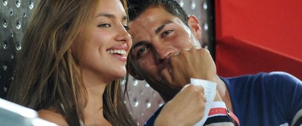 Ronaldo'dan sevgiliye sürpriz yemek
