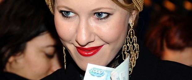 Rus yıldız Sobchak Laleli'de alışverişte