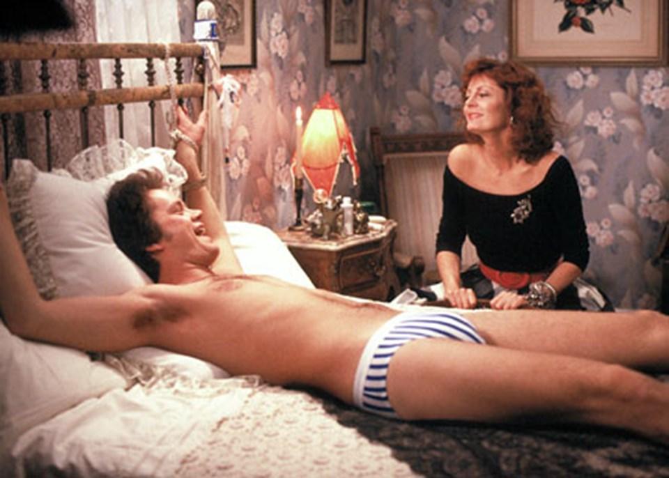 фильм где женщин приковывает мужчину к кровати - 14