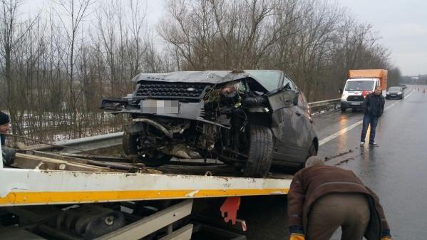 Şarkıcı Sıla Trafik Kazası Geçirdi ile ilgili görsel sonucu