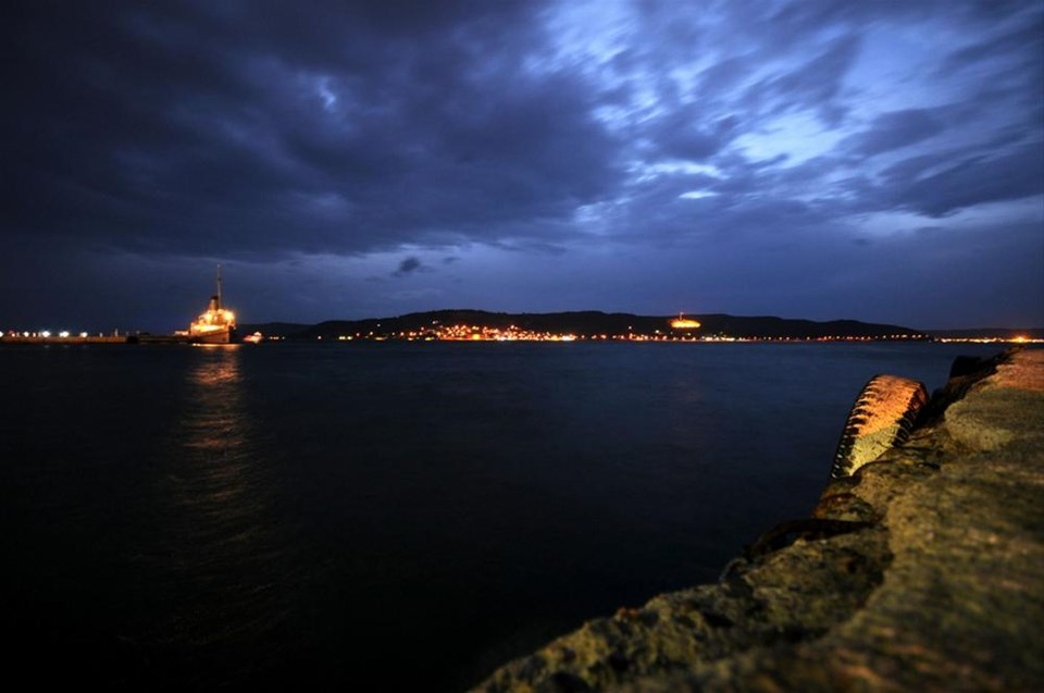 Suluboya mavisinde bir gece