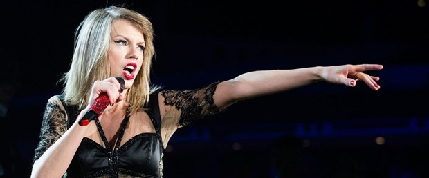 Taylor-Swift-Singapore-Jun-9-2014-Red-Tour-3-1024x682.jpg