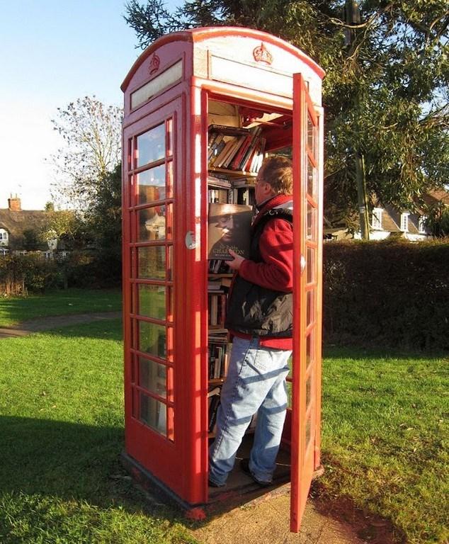 Telefon kulübesi değil kütüphane