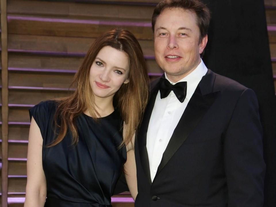 Elon Musk, eşiTalulah Riley'den mart ayında boşandı.