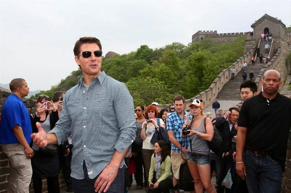 Tom Cruise hayranlarından kaçtı