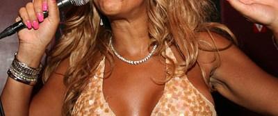Ünlü sunucudan Beyonce'ye 'eğitim mesajı'
