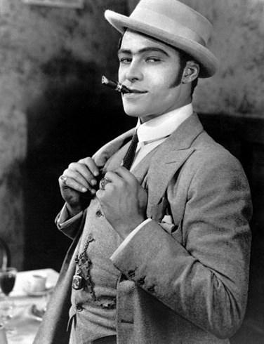 1920'lerden bugüne hâlâ bir stil ikonu: Rudolph Valentino
