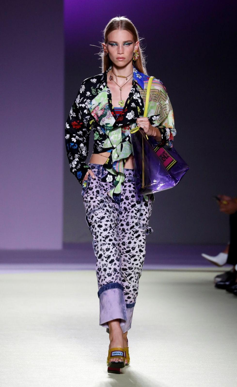 Versace, Michael Kors'a satıldı - 1 | NTV