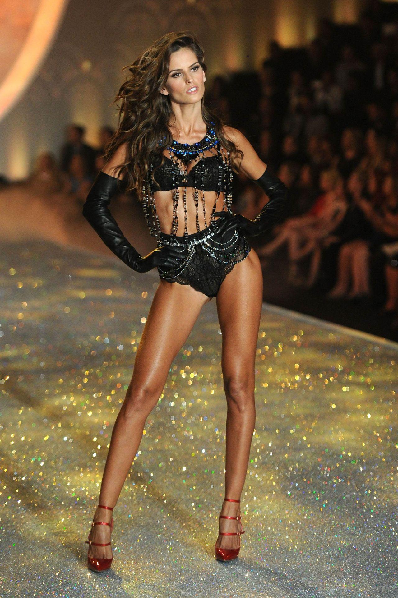 Victoria Secret Kızlarının Spor Sırları