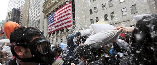 Wall Street'te yastık savaşı
