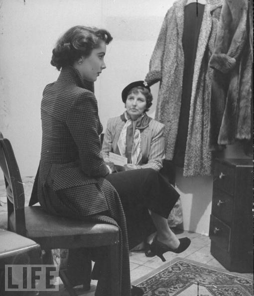 Elizabeth Taylor ve annesi Sara